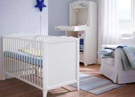 Ideale Cameretta Hensvik Ikea A White Baby Crib With Matching Changing Table | Nursery Desig