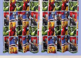 Magnifico Tenda Per Cameretta Avengers Pink And Blu Gifts Marvel Avengers 'Team' - Tende, 167,6 X 182,