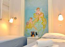 Grandioso B&b Centro Camerette Le Camere: Mar Piccolo - Bed And Breakfast A Taranto - Beb Muse
